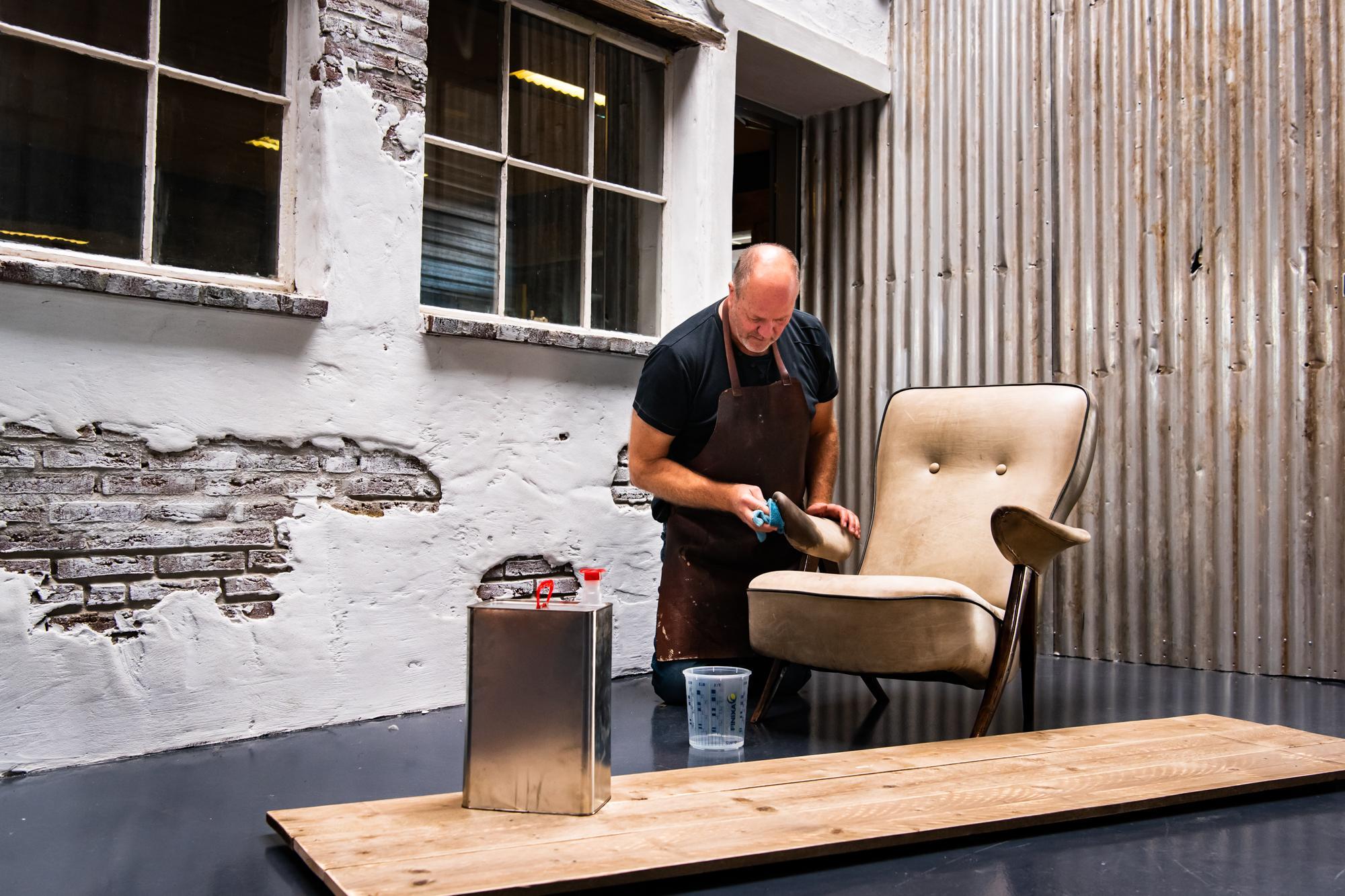 Coen van Rooij | leerfinish meubels